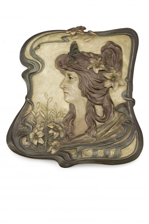1362 Johann Maresch. Ninfa, Placa Art Nouveau en loza policromada.00
