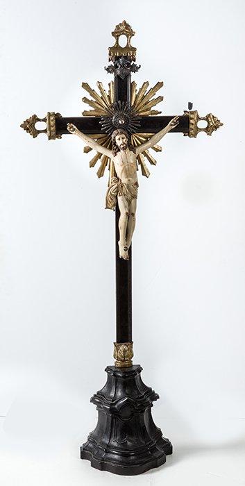 210 Cristo Talla en marfil indo-portuguesa, Goa S. XVIII. 00