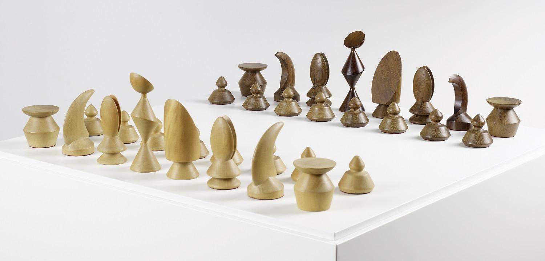 5_Max-Ernst_Chess-Set_1944_VEGAP