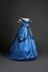 traje-de-baile-azul