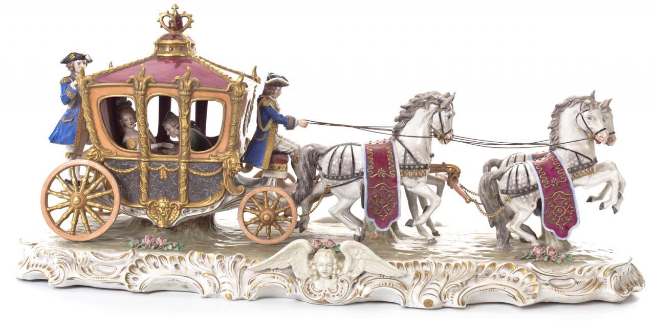 1434-Carruaje-grupo-escultorico-porcelana-esmaltada-Capodimonte-s.-XIX.00