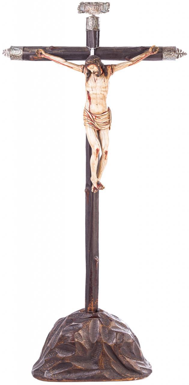 521-Cristo-crucificado-en-marfil.-Escuela-colonial-s.-XVII