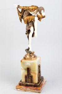 546-Figura-crisoelefantina-estilo-Art-Decó-representando-una-joven-en-paso-de-danza-junto-a-una-serpiente02