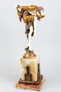 546-Figura-crisoelefantina-estilo-Art-Decó-representando-una-joven-en-paso-de-danza-junto-a-una-serpiente02-copia