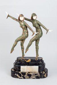 547-Grupo-crisoelefantino-estilo-Art-Decó-representando-a-dos-bailarinas-según-un-modelo-de-Demeter-Chiparus.-Con-firma-DH-Chiparus-en-la-base.-00