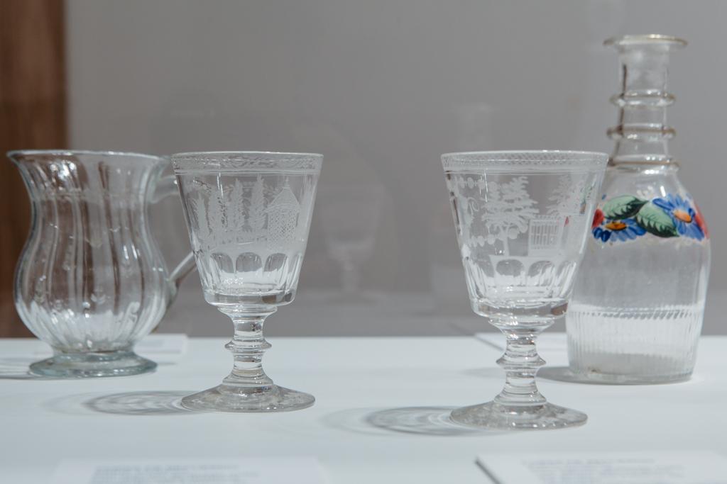La real f brica de cristales y nuevo batz n exponen piezas - Fabricas de cristal en espana ...
