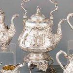 117_662.-Juego-de-cafe-y-te-victoriano,-de-plata-inglesa-punzonada-con-orfebres-distintos-de-Londres-entre-1860-y-1891.01