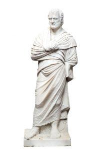 550 José Alvarez Cubero, Figura de hombre con túnica escultura en mármol.00