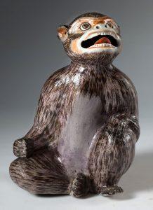 lote-998-Figura-de-mono-en-porcelana-esmaltada-Japon-Meiji-S.-XIX-00