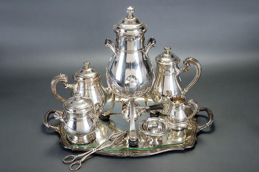 665-Juego-de-café-y-té-en-plata-francesa-punzonada-con-marcas-de-Mellerio-Dits-Meller-,-mediados-del-S.XIX