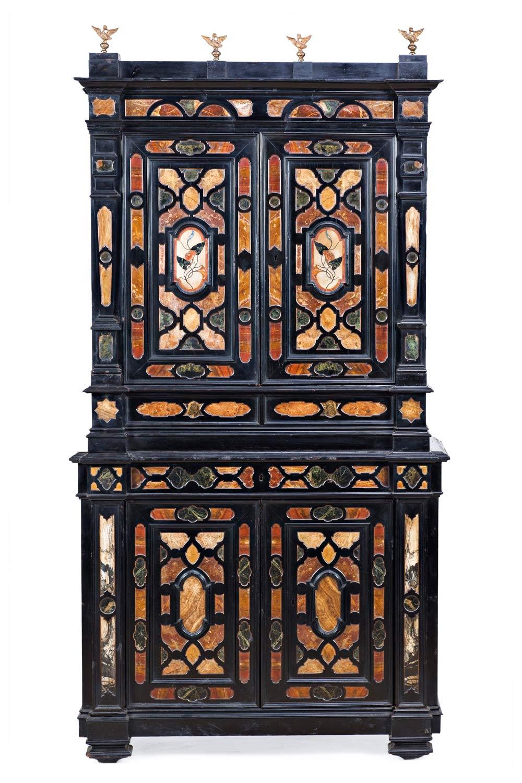 548-Cabinet-de-dos-cuerpos-florentino-de-estilo-barroco-en-ébano-y-madera-ebonizada-con-incrustaciones-y-reservas-de-pórfido,-de-la-segunda-mitad-del-siglo-XIX.01