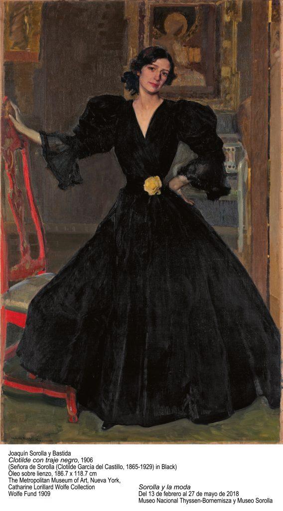 Clotilde con traje negro_GRND