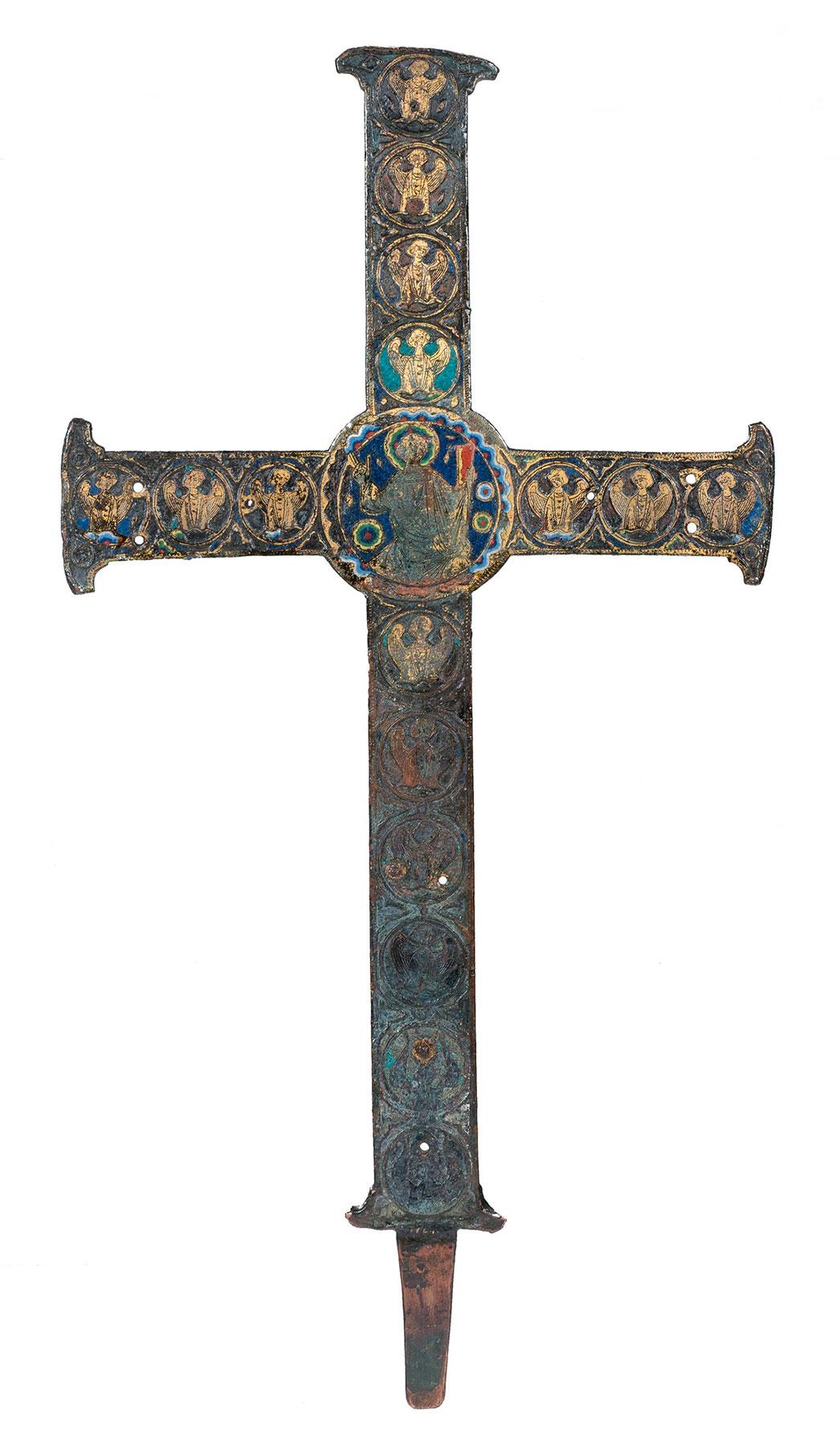 001.1-Cruz-de-altar-o-de-procesión-en-cobre-grabado,-dorado-y-con-esmaltes-champlevé.-Limoges.-Francia.-Románico.-Hacia-1190.09
