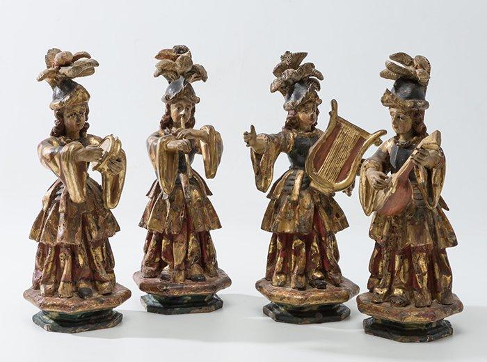 313 Ángeles músicos Cuatro esculturas en madera tallada, policromada y sobredorada. Escuela colonial S. XVIII.00