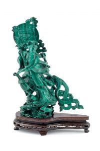 692 Dama malaquita que representa a una bailarina oriental con bella decoración paisajística y de animales.00