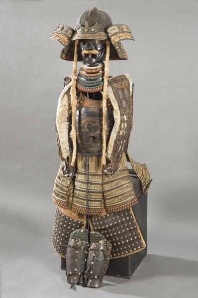 957 Yoroi completa realizada en metal lacado, seda y textil finales del siguiendo modelos del Periodo Muromachi 1336-1573.00