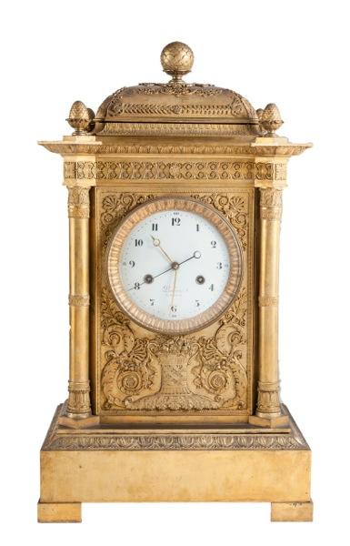 315 Atribuido a Pierre – Philippe Thomire Gran reloj en bronce dorado y cincelado. Esfera firmada Piolaine A. París, época Imperio pps. S. XIX.01