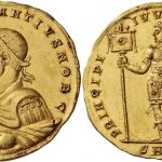 Medallón de Constantino II. Rematado en 750.000 francos suizos. Numismatica Ars Classica