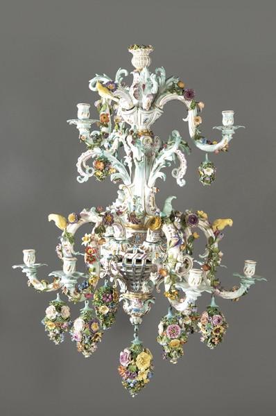 666 Lámpara en porcelana de Meissen período Conde Camillo Marcolini ( 1774 – 1814 ), Alemania. 00