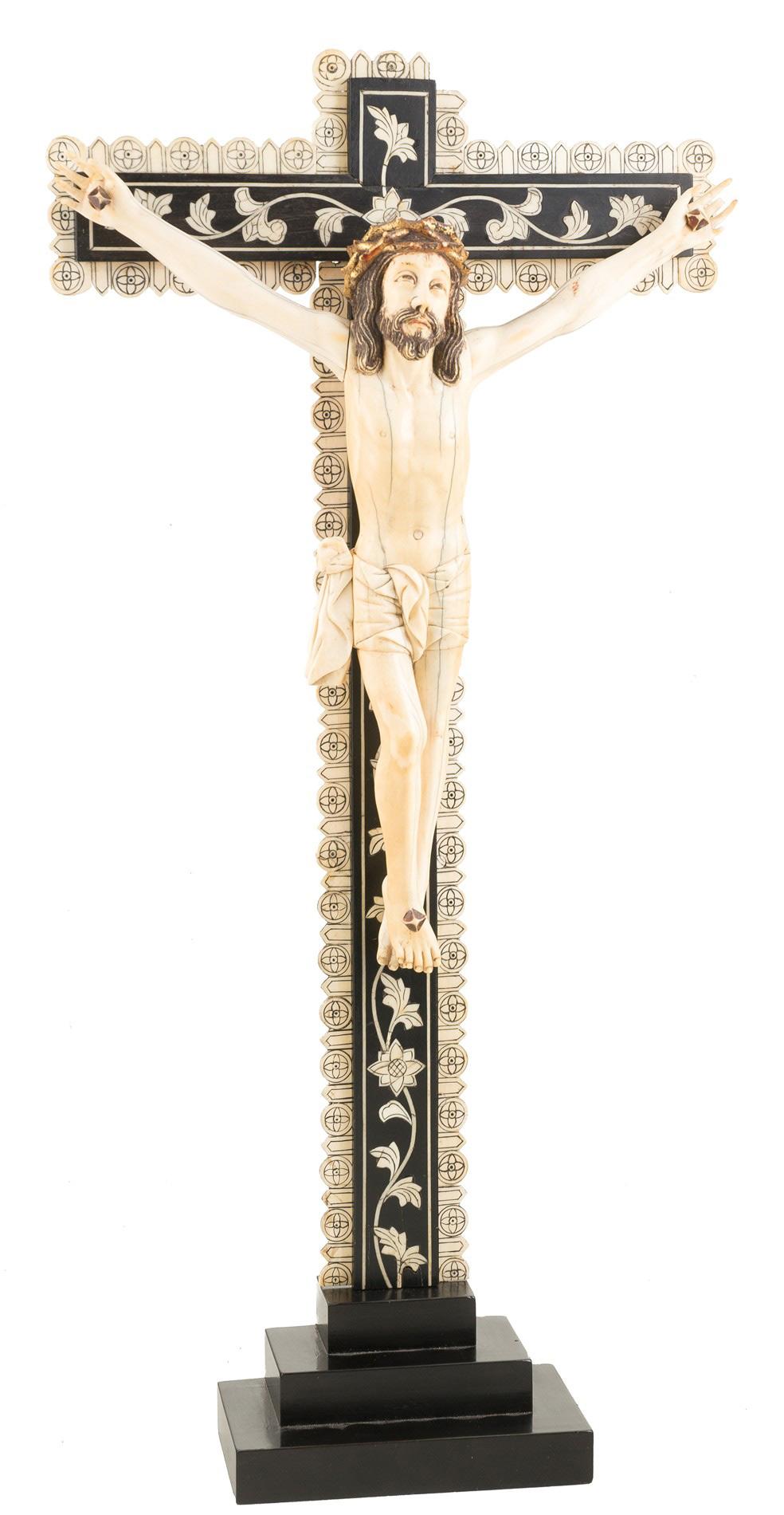 86.1.-Cristo.-Figura-en-marfil-esculpido.-Indo-portugués.-Goa.-siglo-XVII—XVIII.01
