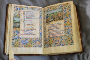 v&A dundee Book of Hours