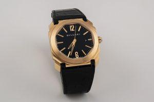 69 Reloj BVLGARI modelo Octo Roma, de oro rosa. Sistema de carga automática con funciones horarias, minuteras, segunderas y calendario. 00