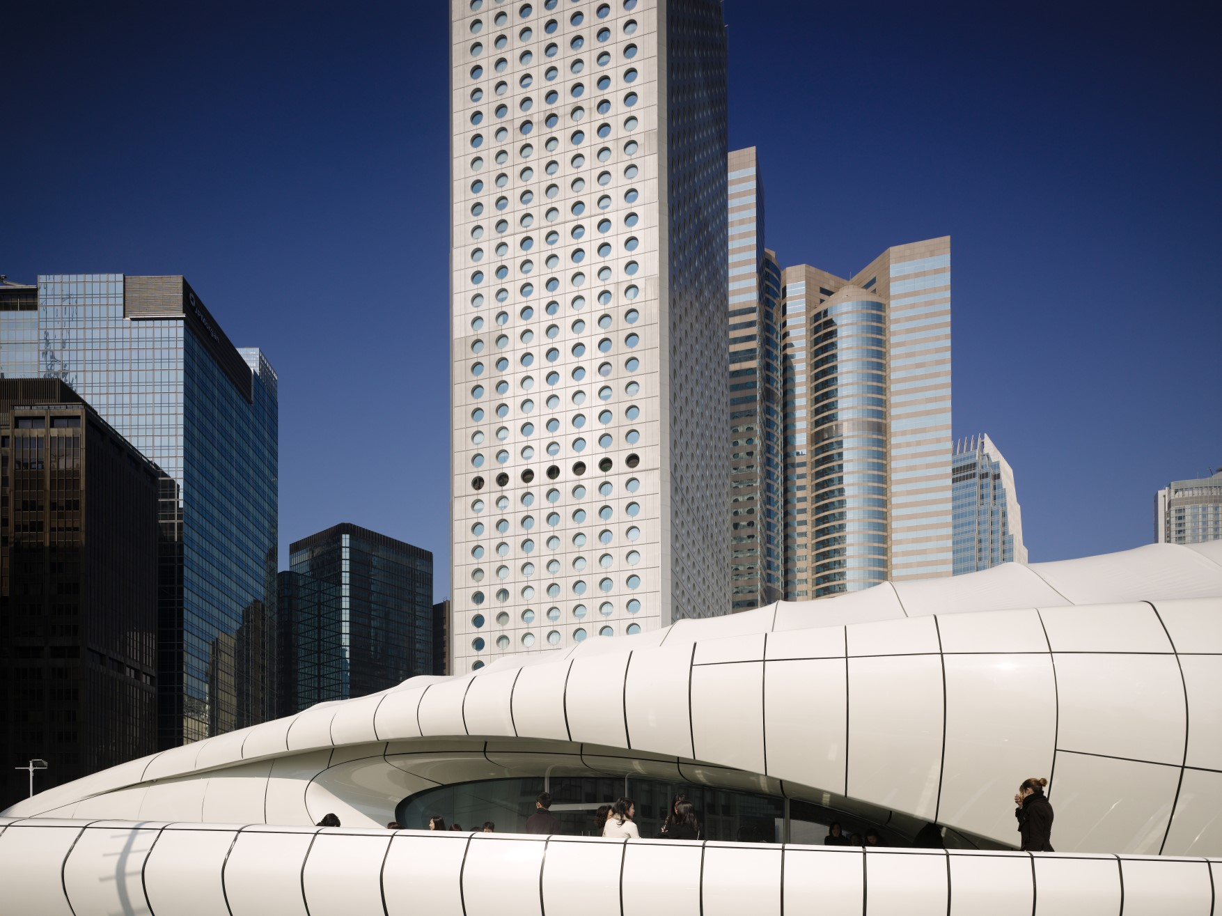 Channel (Hong Kong) Zaha Hadid Architects- Fotografía Virgile Simon y Marc Gerritsen