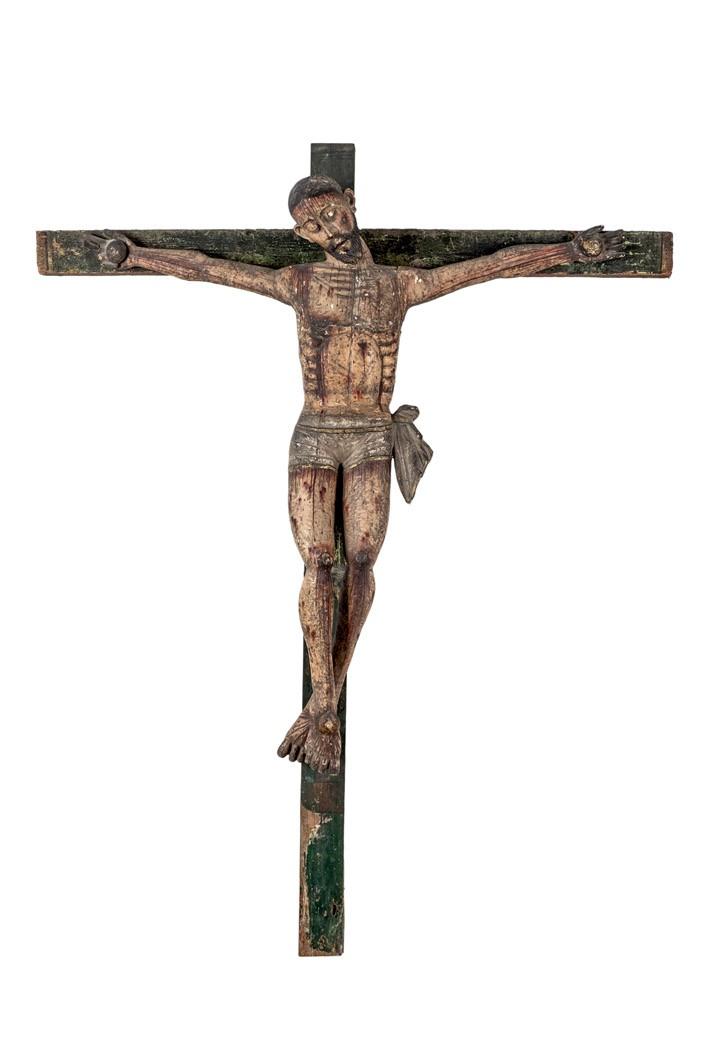 731 Crucifijo. Gran crucifijo procesional colonial en madera tallada y policromada. Probablemente SS. XVIII-XIX.00