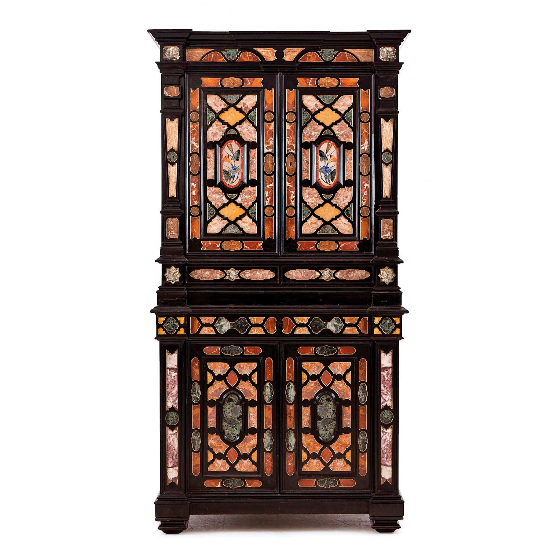 410-Cabinet-de-dos-cuerpos-en-madera-de-ébano,-ebonizada-y-piedras-duras,-Italia,-finales-S.-XIX.02