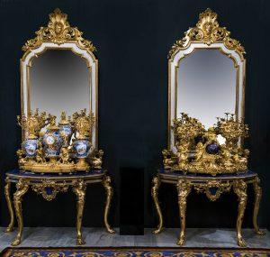 867-pareja-de-consolas-de-procedencia-real-en-bronce-y-tapas-lapislazuli.02.