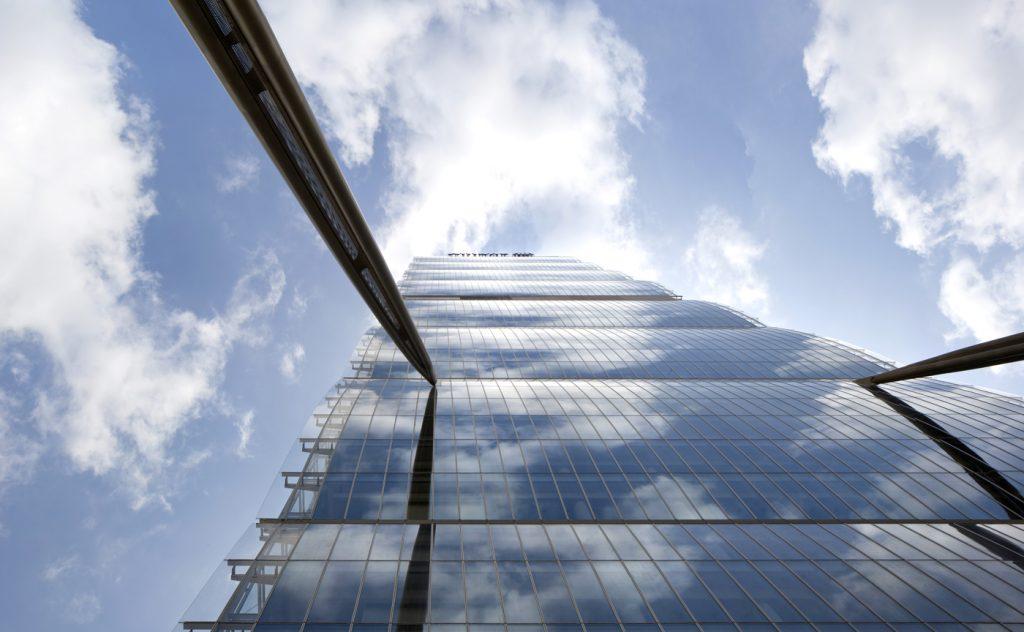 looking-up-allianz-tower-2014-alessandra-chemollo