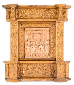 631-relieve-realizado-en-alabastro-representando-la-santa-cena.-trabajo-de-malinas-s.xvi_.-con-marco-tallado-y-dorado.02