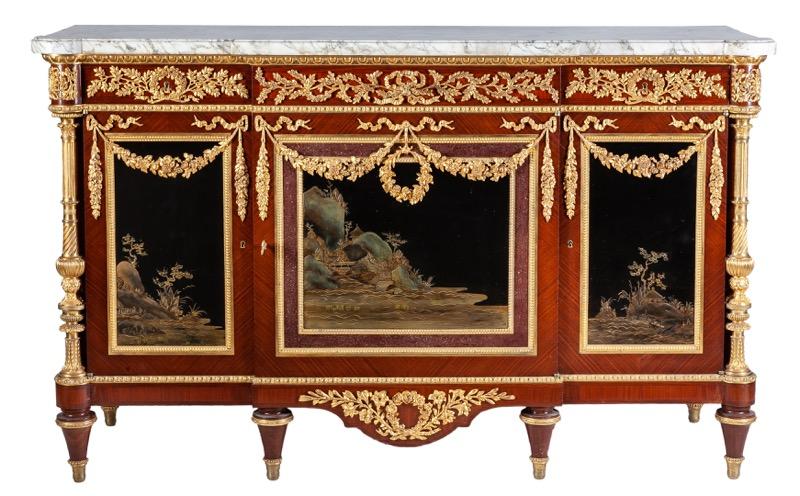 396-cmoda-de-caoba-con-paneles-de-laca-y-bronces-aplicados-estilo-luis-xvi-siguiendo-el-modelo-de-martn-carlin-c.1900.02