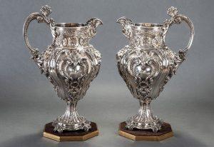 584-gran-pareja-de-jarras-en-plata-portuguesa-punzonada-con-marcas-de-ferreira-marqus-lisboa.-.00
