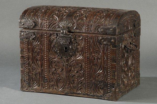 764-baul-mundo-filipino-en-madera-de-cedro-kalantas-y-hierro-forjado-s.-xvii.-00