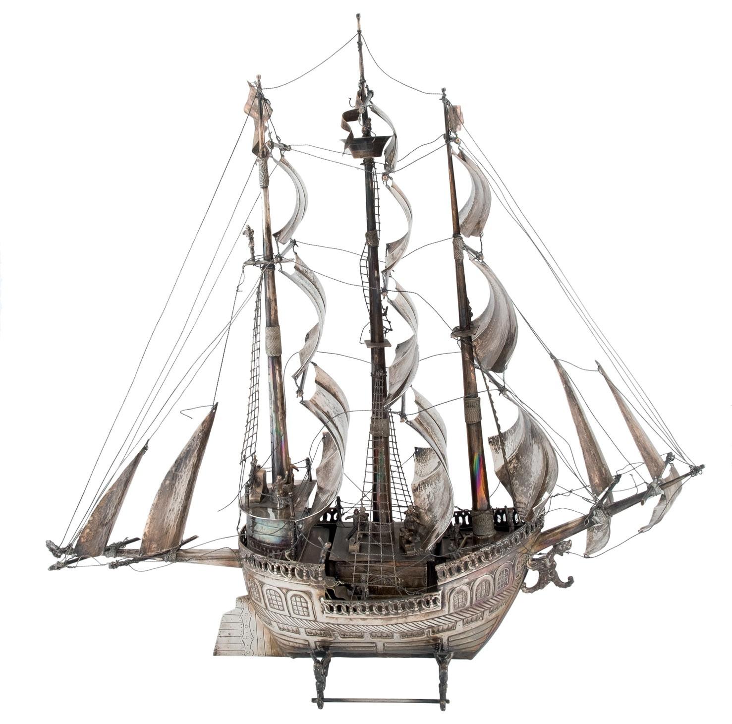 613-barco-realizado-en-plata-espaola-punzonada-ley-916.-peso-total-con-contrapeso-en-el-interior.00