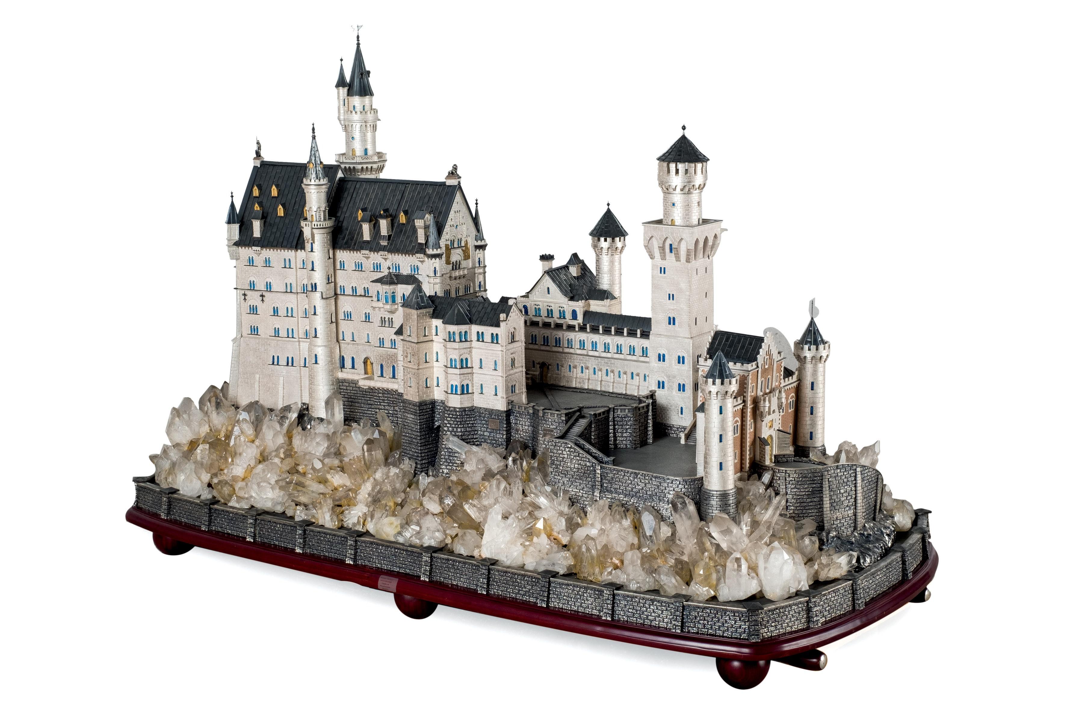 424-castilo-de-neuschwastein.-pieza-de-orfebrera-que-reproduce-el-famoso-castillo-de-neuschwanstein-mandado-edificar-por-luis-ii-de-baviera.