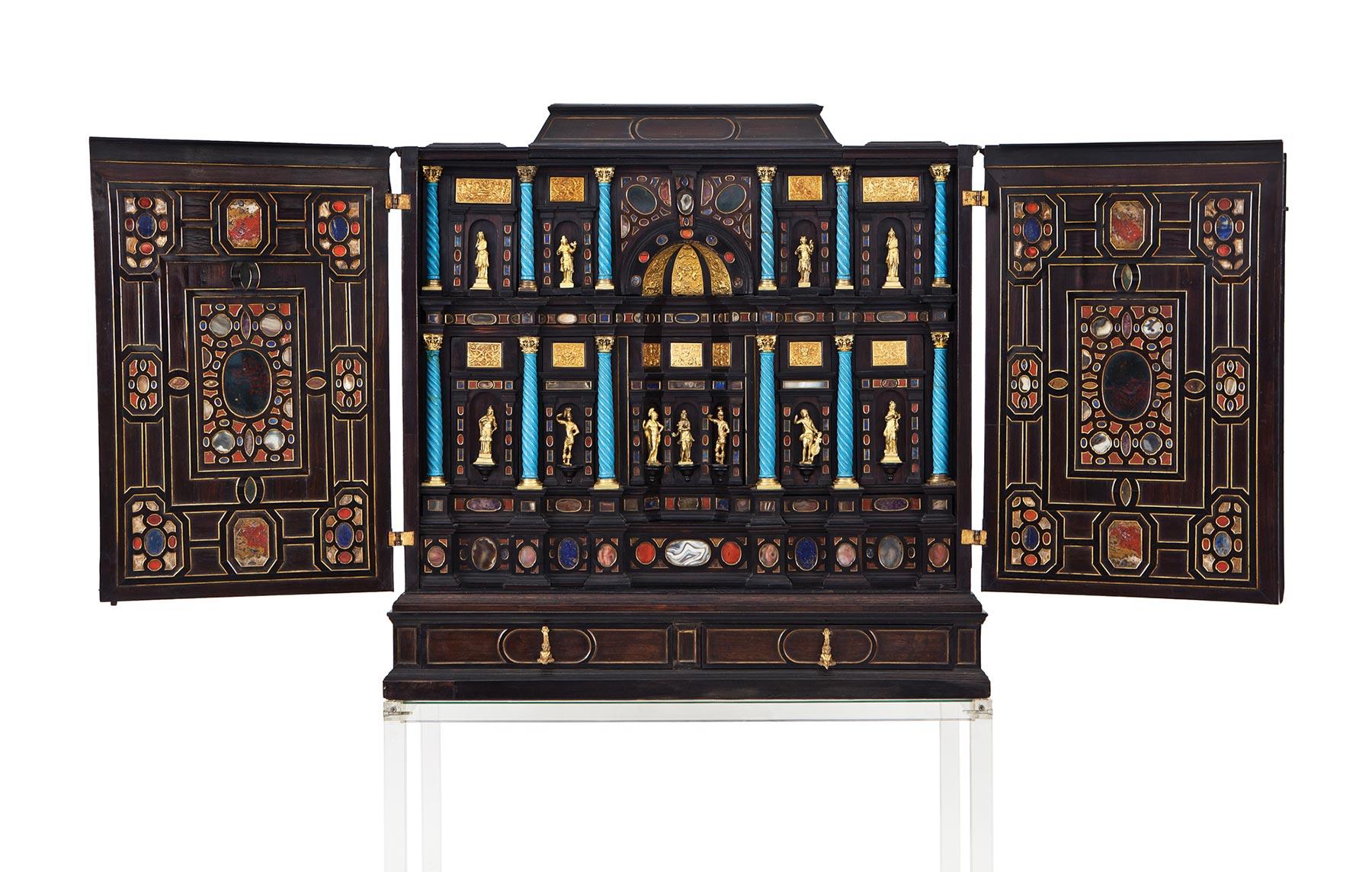 114-cabinet-en-madera-de-palosanto-bano-ebonizada-piedras-duras-y-aplicaciones-de-bronce-dorado-italia-mediados-s.-xvii.00a