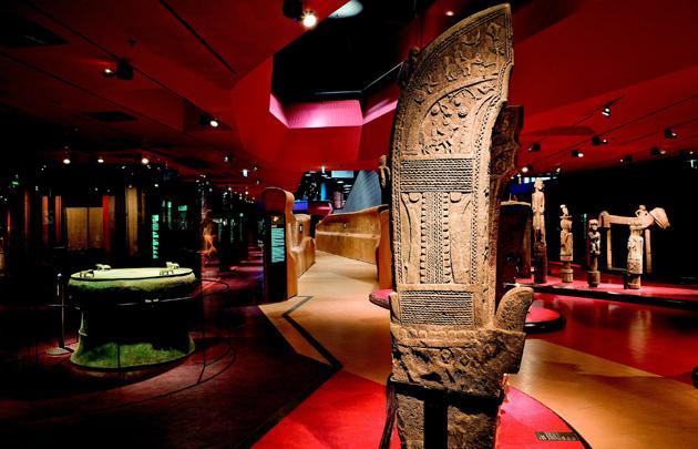 salle-musee-quai-branly-630×405-c-otcp-lois-lammerhuber-i-172-06