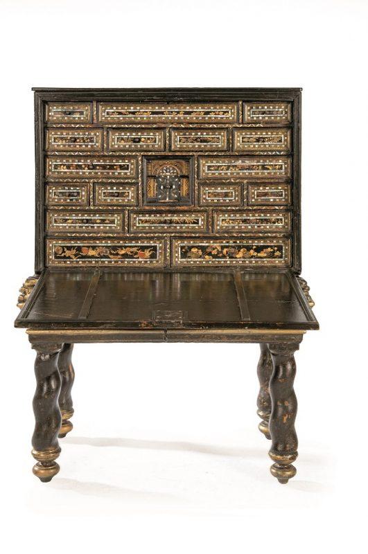 segre-cabinet
